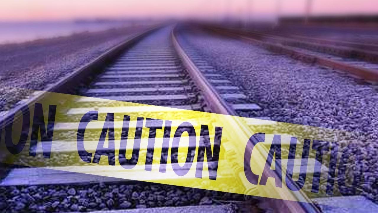 Maryland commuter train strikes, kills pedestrian; line down
