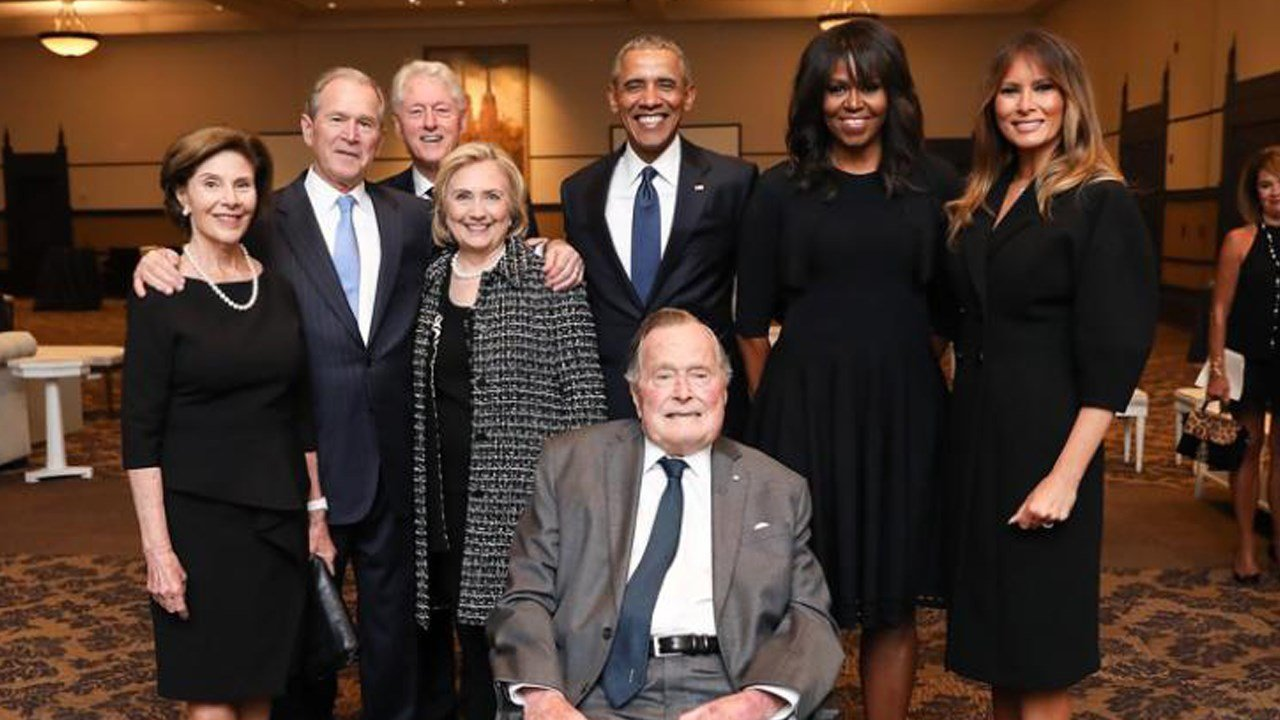 PHOTO: Remarkable photo features four former presidents Barack Obama, George W. Bush, Bill Clinton and George H. W. Bush along with first lady Melania Trump and former first ladies Michelle Obama, Laura Bush and Hillary Clinton, Photo Date: 4/21/18
